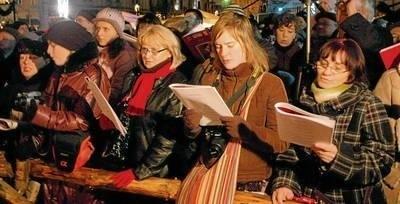 Znów na Małym Rynku wspólnie z artystami Loch Camelot zaśpiewamy kolędy FOT. ADAM WOJNAR