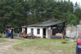 Pożar domu w Mierzynku. Siedmioosobowa rodzina straciła dach nad głową [zdjęcia]