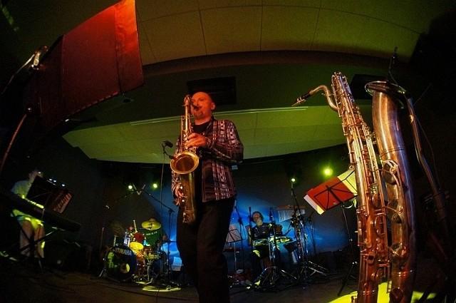Na saksofonach grał Mariusz Kozłowski