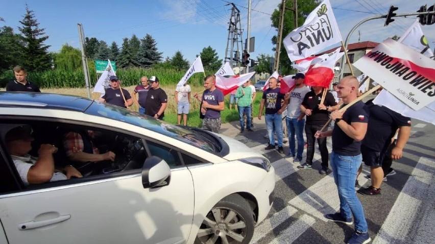 Rozpoczyna się dwudniowy protest rolników z Agrounii na DK12 pod Piotrkowem. Będzie paraliż komunikacyjny