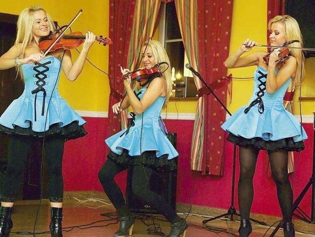 Ola, Iza i Monika były w domu rodziców w święta Bożego Narodzenia i w sylwestra. Zagrały koncert dla rodziny i przyjaciół.