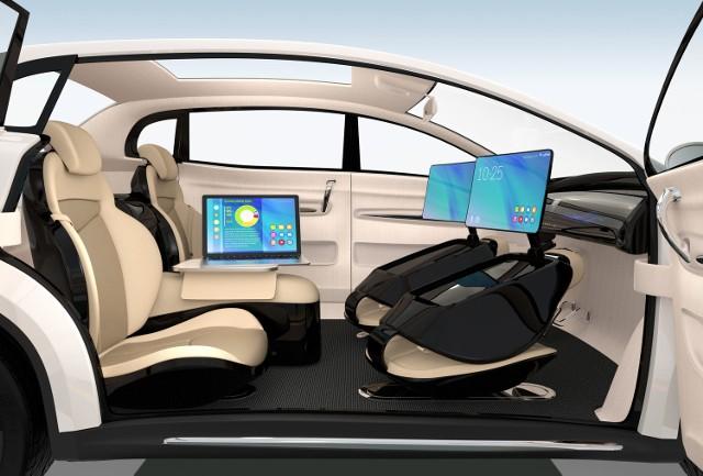 Autonomiczne samochody testowane są w USA. Zaawansowane prace prowadzą Tesla, Uber i Waymo