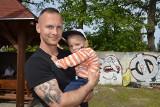 Żary. Prawie 12 tys. zł zebrano podczas charytatywnego festynu na rehabilitację 3-letniego Mikołaja Walaska.