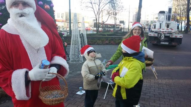 W Sosnowcu Mikołaj rozdawał mieszkańcom czyste powietrze