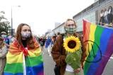 """LGBT jako kozioł ofiarny. Prof. Wojciszke: """"PiS potrafi wyszukiwać zagrożenia, którymi skutecznie potem straszy"""""""