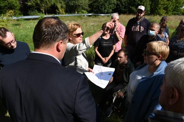 Na liście projektów odrzuconych znalazł się m.in. ten dotyczący lasu na Wrzosach. Został on odrzucony, ponieważ wciąż trwają prace nad zmianą miejscowego planu zagospodarowania