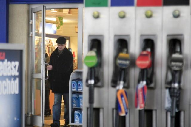 Ostatnią deską ratunku, by zrobić zakupy w czasie majowego weekendu będą stacje benzynowe. Czynne całą dobę.
