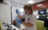 Ministerstwo Zdrowia: 6 055 nowych zakażeń koronawirusem. Nie żyją 142 osoby