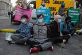 Protest Greenpeace, Warszawa. Aktywiści zablokowali wejście do Ministerstwa Aktywów Państwowych