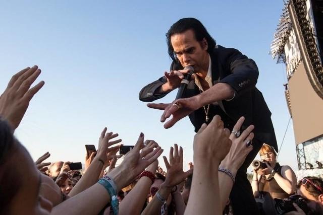 Nick Cave & The Bad Seeds to jeden z najlepszych koncertowych wyjadaczy. W 2018 roku znaleźli się wśród gwiazd gdyńskiego Open'er Festivalu.