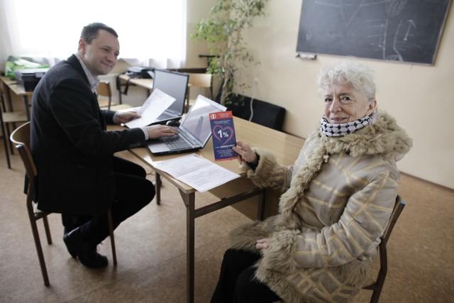 W ubiegłym roku Zofia Kusza skorzystała z pomocy Jarosława Wacha przy rozliczeniu podatku i ofiarowała hospicjum jeden procent.