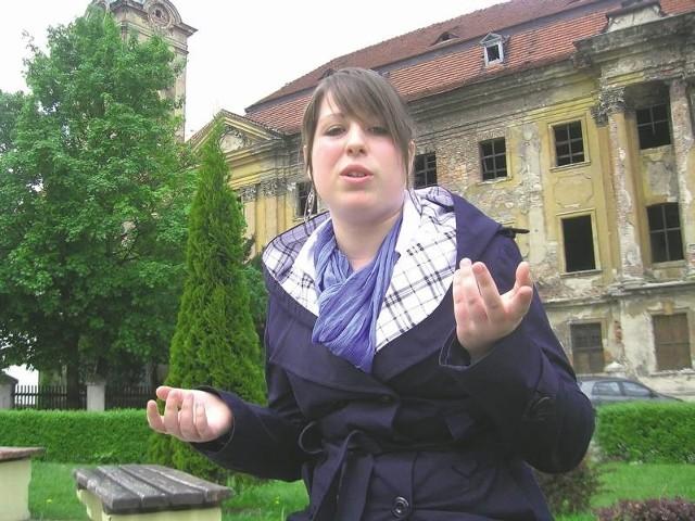 - Ten zabytek powinien być atrakcją miasta. A on ciągle niszczeje - komentuje Iwona Wojciechowska.