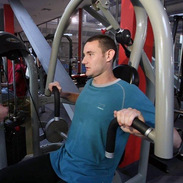 Ivan Ilić będzie od początku uczestniczył w przygotowaniach Resovii. Rozpoczną się one w poniedziałek o godzinie 11 w siłowni, którą Ivan już zdążył poznać.