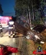 Nocny wypadek pod Rzeczniowem. Cztery osoby trafiły do szpitala po wyprzedzaniu