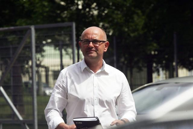 Dominik Nowak w przeszłości pracował w Wigrach Suwałki, aktualnie prowadzi Miedź Legnicę.