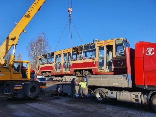 Mocno wyeksploatowane wagony nabyła firma zajmująca się skupem złomu.