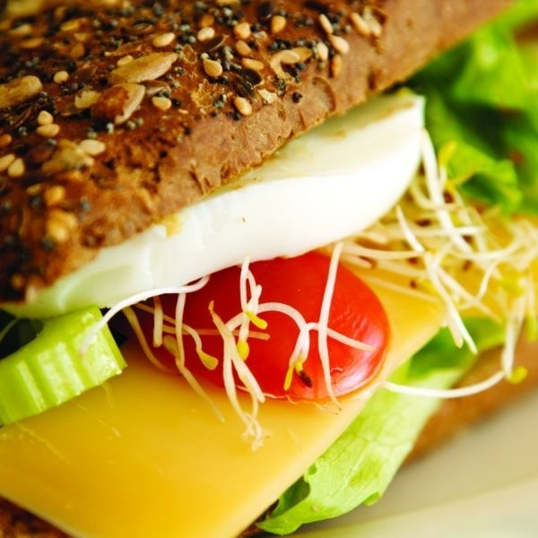 Dzięki zastosowaniu konserwantów żywność ma bardziej atrakcyjny wygląd, smak i zapach