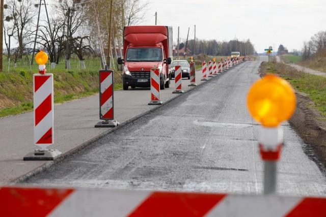 Trwa remont drogi wojewódzkiej nr 548, która łączy północną część naszego regionu z autostradą A1