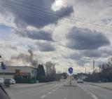 Wybuch w Rybniku: Pożar po wybuchu butli z gazem. Kłęby czarnego dymu nad całym miastem