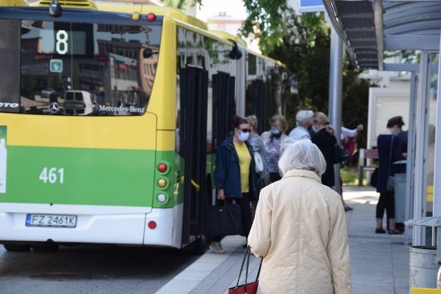 Od 1 września Miejski Zakład Komunikacji wprowadził zmiany w rozkładzie jazdy autobusów. Przewoźnik przypomina też o obowiązku noszenia maseczek w miejskiej komunikacji