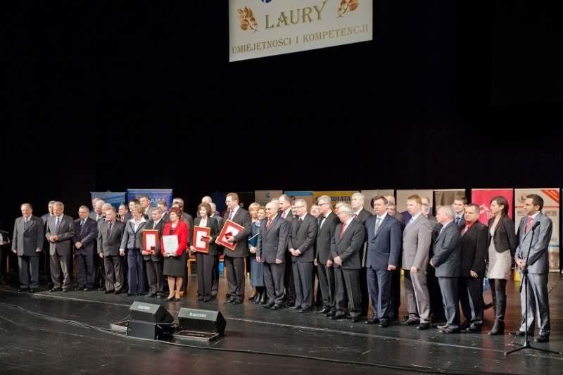 Wspólne zdjęcie laureatów. (fot. OIG Opole)