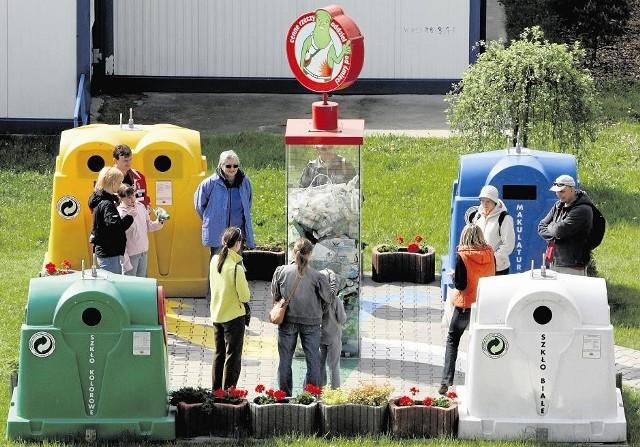 Osoby, które odwiedziły składowiska odpadów, mogły nauczyć się prawidłowej segregacji śmieci