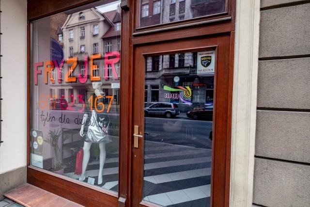 Sondaż: Po zniesieniu ograniczeń Polacy masowo ruszą do fryzjera i kosmetyczki