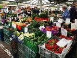 Pestycydy w owocach i warzywach. Z kontroli NIK wynika, że zanim przebadano ich próbki, zostały one sprzedane