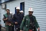 Akcja ratunkowa w kopalni Zofiówka: Udany odwiert! Ratownicy podają telefon i żywność. Poszukiwania 3 górników trwają