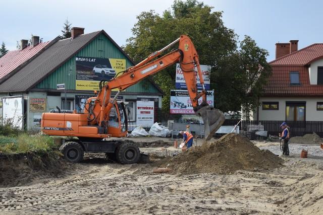 Remont ronda trwa pełną parą. Na miejscu pracuje ciężki sprzęt. Prace budowlane mają zakończyć się pod koniec listopada.