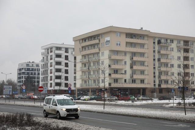 W Krakowie buduje się dużo, ale deweloperzy twierdzą, że mieszkań mogliby sprzedać jeszcze więcej, zwłaszcza tych niedużych, bo popyt w pandemii wcale nie osłabł. Powodów jest kilka.
