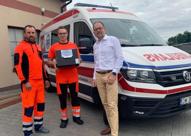 Akcja pomocy dla ratowników medycznych z powiatu oleskiego.