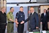Joachim Brudziński w Trójmieście. Spotkał się z szefami służb. W Gdyni wmurowano akt erekcyjny pod budowę komisariatu [zdjęcia, wideo]