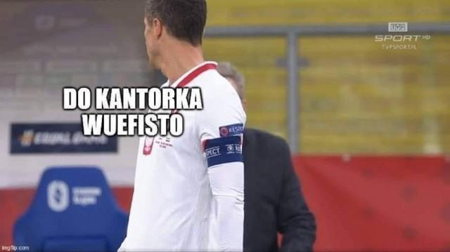 Mimo długiego prowadzenia 1:0 po golu Kamila Jóźwiaka polska reprezentacja przegrała w Chorzowie z Holandią 1:2. Internauci jak zwykle nie mieli litości dla biało-czerwonych, a zwłaszcza selekcjonera Jerzego Brzęczka. Prezentujemy galerię najlepszych memów po meczu. Zobacz memy po meczu Polska - Holandia ---->