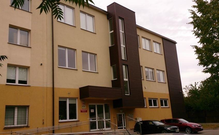 Budynek DODN przy ulicy Skarbowców we Wrocławiu.