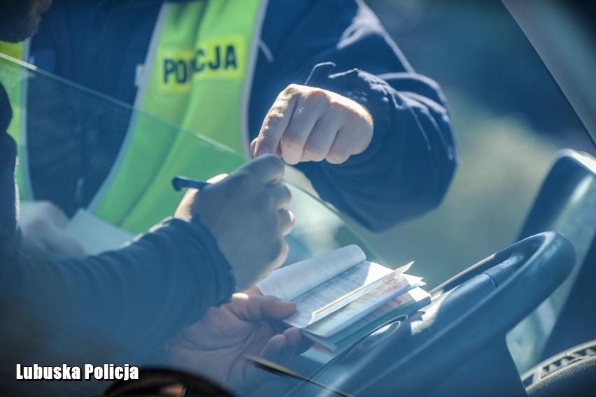 - Bezpieczeństwo kierowców przemierzających drogi powiatu...