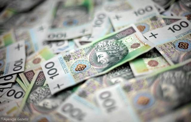 Dobre wiadomości dla mieszkańców powiatu sandomierskiego. Z rządowego Programu Fundusz Inwestycji Lokalnych powiat i gminy otrzymają 9 milionów 745 tysięcy złotych, na szereg  inwestycji. Zobacz co zostanie zrobione w poszczególnych gminach
