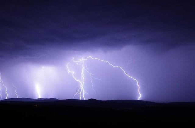 Od kilku dni Instytut Meteorologii i Gospodarki Wodnej wydaje ostrzeżenie przed burzami z gradem.