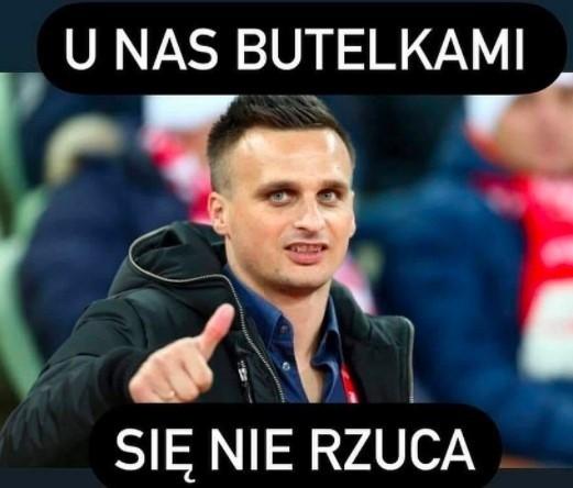 Memy po meczu Polska - Albania. Strzelcie im gola i pędem do szatni. Peszko: U nas butelkami się nie rzuca [21.10]