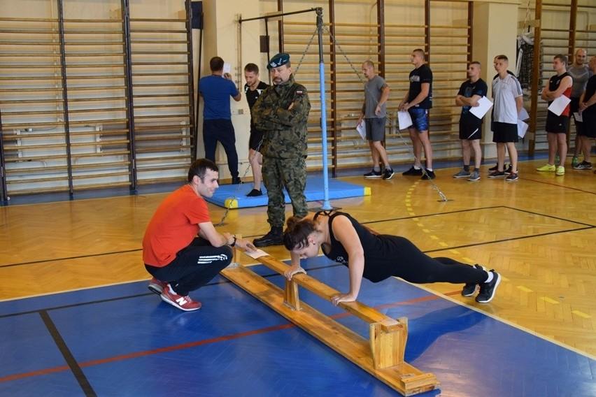 Nabór do służby wojskowej [zdjęcia]