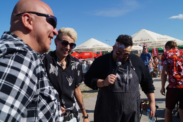 Ostrołęka. Grillowanie z Szymonem Czerwińskim, finalistą programu Master Chef, na plaży miejskiej