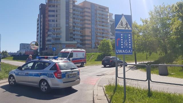 Wypadek rowerzystki na Rokicińskiej w Łodzi. Kierowca wymusił pierwszeństwo na przejeździe rowerowym