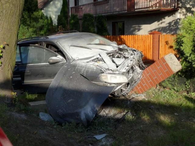 Wypadek w Nowej Wsi: Zderzenie dwóch aut, trzy osoby ranne