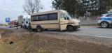 Wypadek w Dylewie. DK-53 była zablokowana po zderzeniu 3 pojazdów. 23.03.2021