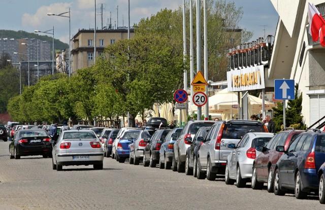 Kierowcy zwrotu pieniędzy za parkowanie domagają się na razie od ZDiZ