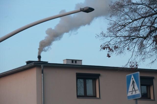 Stan powietrza bardzo pogarsza się jesienią i zimą, o czym alarmują specjaliści zajmujący się ochroną środowiska.