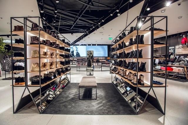 Stacjonarne salony sprzedaży przechodzą metamorfozę w ramach koncepcji open space