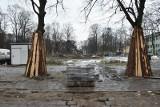 Przyhamował remont parku im. Sienkiewicza. Podczas prac ziemnych odkryto stare fundamenty