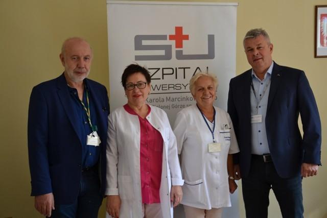 Na zdjęciu od lewej: lek med. Antoni Ciach, Jolanta Bień, Barbara Ziembińska i dr Marek Działoszyński podczas pożegnania przez dyrekcję szpitala.