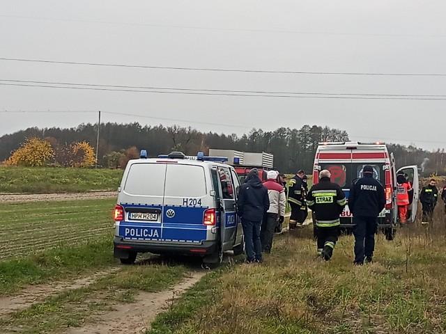 Kobieta została odnaleziona w środę rano na polu oddalonym o około dwa kilometry od jej domu. Na szczęście nic jej się nie stało.